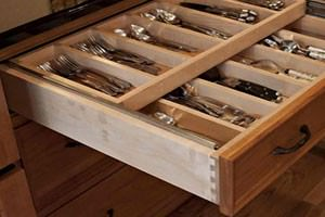 Dovetail Drawer with Organizer
